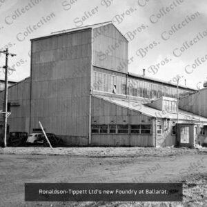 Ronaldson Tippett Foundry Photo - 1945